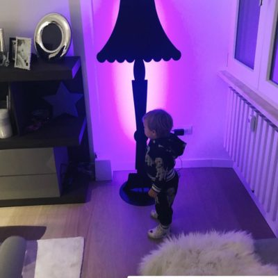 lampada ahua design- piantana nera- lampada di eleonora brunacci divaio